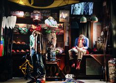 """POLO RALPH LAUREN,New York, """"Listen Peter.I retreat to my Cave in a very male fashion"""", photo by Stylecurated, pinned by Ton van der Veer Ralph Lauren New York, Ralph Lauren Store, Polo Ralph Lauren, Text On Photo, Window Design, Box Design, Visual Merchandising, Interior Decorating, Windows"""