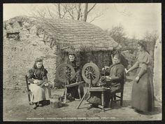 "askhistorians: "" Carding wool and spinning, Highlands, County Donegal, Ireland. (Public Record Office of Northern Ireland) "" Antique Photos, Old Photos, Vintage Photos, Spinning Wool, Hand Spinning, Spinning Wheels, Church Of Ireland, Irish Cottage, Weaving Textiles"
