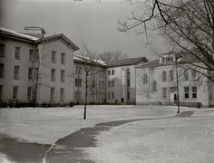 A building at Dayton State Hospital, 1948 Abandoned Prisons, Abandoned Buildings, Psychiatric Hospital, Insane Asylum, Abandoned Hospital, Dayton Ohio, Hobby Shop, American History, Places To Go