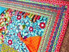 Mit unseren Webetiketten, Labels und gestickten Aufnähern kannst du deine Kleidungsstücke aufwerten oder auf der Kleidung der Kinder die Flecken verstecken. Stickereien sind klasse, um schnell ein persönliches und einzigartiges...