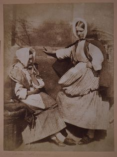 Two Newhaven fishwives, perhaps Mrs Elizabeth (Johnstone) Hall on the right, Scotland, c.1843-1847. #Victorian #1800s #portrait #women