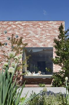 Clare Cousins Architects designed this lovely home located in St Kilda East, Melbourne with an adorable garden and red brick façade. Description by Clare Cousins Architects: A series of insertions . Brick Architecture, Residential Architecture, Bares Y Pubs, Clare Cousins, Recycled Brick, St Kilda, House Extensions, Red Bricks, Facade House