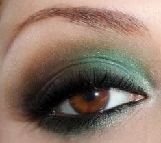 Teal and brown eye from Bows&Curtseys blog