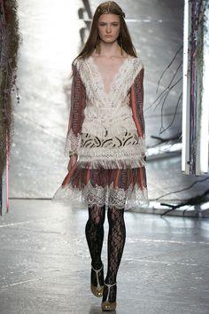 Rodarte Spring 2016 Ready-to-Wear Fashion Show - Sophia Skloss