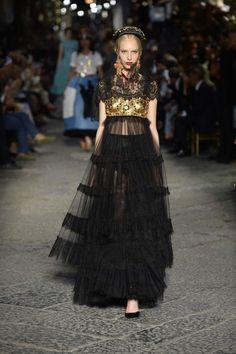 #dglovesnaples Dolce & Gabbana San Gregorio Armeno Napoli Naples sfilata