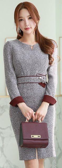 StyleOnme_Pearl Brooch Set Front Slit Belted Dress #grey #frontslit #dress #pearl #elegant #wintertrend #koreanfashion #seoul #kstyle #feminine