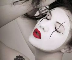 Mime-Faced Makeup