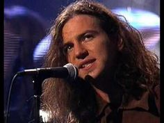 Pearl Jam - Tremor Christ. Heaps of pictures
