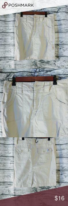 5a0829521 Carhartt Women's Khaki Skirt Size 2 Size: Size 2 Color: Khaki Design: Cargo