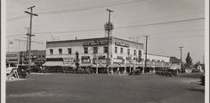 Manchester district, northeast corner of Manchester Avenue and Broadway. (Los Angeles: 1932-33 by Anton Wagner, PC 17, California Historical Society.)