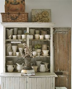 Love this chippy vintage display of a ceramic collection. Vintage Farmhouse, Vintage Kitchen, Farmhouse Decor, French Farmhouse, Shabby Chic Decor, Vintage Decor, Vintage Display, Vibeke Design, Primitive Furniture
