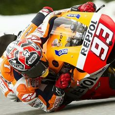 Moto gp - giving it the elbow!!