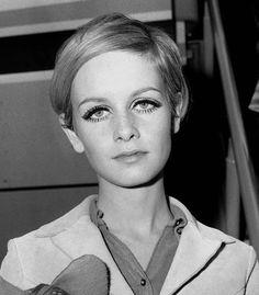 Patti Hansen, 1960s Fashion, Fashion Models, Vintage Fashion, Fashion Trends, Lauren Hutton, Jane Birkin, Catherine Deneuve, Brigitte Bardot