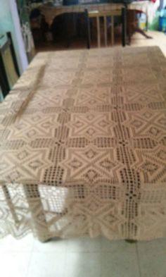 Mantel beige forma rectangular