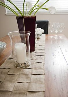 DIY Tutorial: DIY Burlap Crafts / DIY A Beautifully Woven Burlap Table Runner - Bead