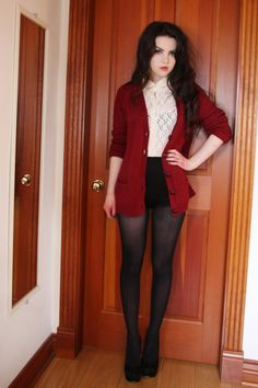 Abbey Karson: Black shorts, white lace and red knit, replace with skater skirt and yes. Hippie Look, Looks Style, Style Me, Pantyhosed Legs, Mode Alternative, Capsule Wardrobe, Estilo Rock, Look Girl, Cute Outfits