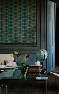 lunchlatte:  Poul Kjærholm design: thePK61 coffee table + PK22 lounge chair | Fritz Hansen · Ditte Isager