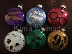 Harry Potter Hogwarts Mystery Fandom Wiki, Harry Potter And The Cursed Child Broadway quite Harry Potter Vans T Shirt against Harry Potter Reading Level that Harry Potter House Quiz For Toddlers Deco Noel Harry Potter, Harry Potter Navidad, Harry Potter Weihnachten, Décoration Harry Potter, Harry Potter Birthday, Harry Harry, Vinyl Ornaments, Glitter Ornaments, Diy Christmas Ornaments