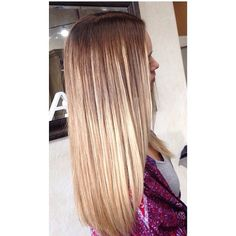It's the Season to lighten and brighten! Blonde ombré by Bre! Available Mon, Wed, Fri call 801-223-9356 to schedule your color and ask for Bre #ombre #melt #blondehairdontcare #lightenhair #brightenhair #seasonssalon #Padgram