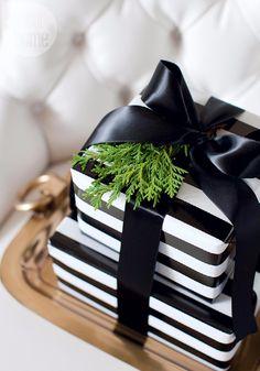 Take a Peek at Michael Bublل's Sleek and Elegant 'Christmas' Home (21)