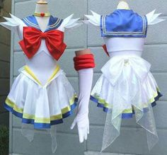 Badass Super Sailor Moon cosplay!