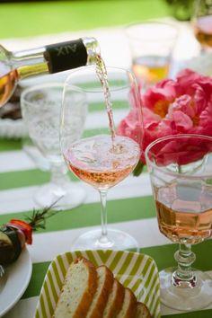 End-Of-Summer Rosé Garden Party | theglitterguide.com