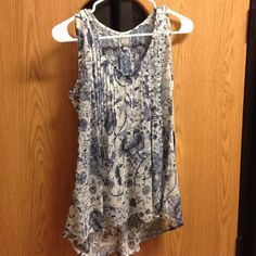 Converse Blue Floral Tank Top NWT CUTE AND NEVER WORN Converse Tops Tank Tops