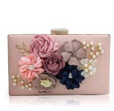 Bolsa de festa bolsa clutch com flores Deoli Atelier  https://www.deoliatelier.com.br/