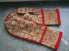 So many mittens I want for myself. And I already have seven pairs. Crochet Mittens, Mittens Pattern, Knitted Hats, Knit Crochet, Knitting Socks, Hand Knitting, Knitting Patterns, Wrist Warmers, Knitting Accessories