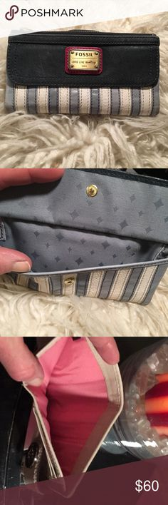 Fossil Long live Vintage wallet Great Wallet with mega strorage, top zip, flap pocket, clear window, coin, credit card slit.   Very soft supple leather.. one very light ink spot on back (Pic) great condition Fossil Bags Wallets