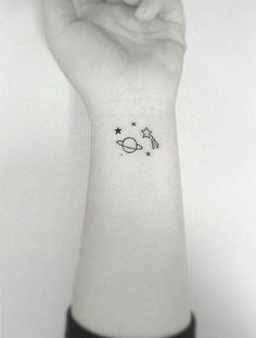 33 Cute Tattoos For Women & Men Cute Small Tattoos, Little Tattoos, Pretty Tattoos, Mini Tattoos, Wrist Tattoos, Body Art Tattoos, Tatoos, Bad Tattoos, Petit Tattoo
