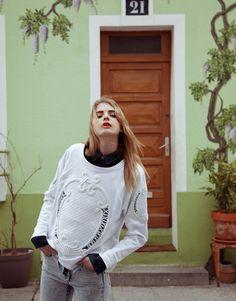 Ed.  Rue Des Reves Fotografía: Cecy Young   Styling: Samia Giobellina  +  Astrid Gevrey Modelo: Ashley Scott