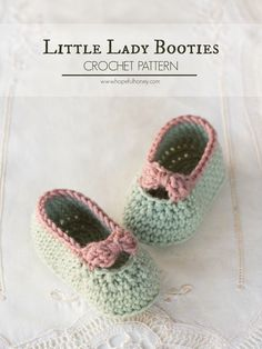 "Little Lady Baby Booties - Free Crochet Pattern - calls for DK yarn. ""Baby Crochet Pattern Little Lady Baby Booties - Free Crochet Pattern ☂ᙓᖇᗴᔕᗩ ᖇᙓᔕ☂ᙓᘐᘎᓮ Crochet Baby Clothes, Crochet Baby Shoes, Cute Crochet, Crochet For Kids, Crochet Crafts, Knit Crochet, Crochet Beanie, Crochet Ideas, Crochet Baby Bootie Pattern"