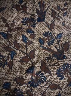 Batik origin Solo,central java,type kain panjang parang buketan,year of making  1950,color sogan very preserved well.