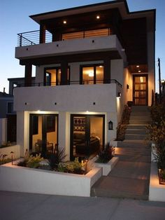 Modern three story house #moderndesign #home   homes     modern homes   https://biopop.com/