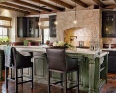 Best And Rustic Kitchen Island Design And Decoration Ideas Kitchen Island Vintage, Green Kitchen Island, Green Kitchen Cabinets, Kitchen Island With Seating, Kitchen Islands, Dark Cabinets, Island Bench, Stone Kitchen, Mini Kitchen