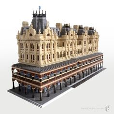 The Shamrock Hotel Lego City, Shamrock Hotel, Lego Hotel, Casa Lego, Lego Boards, Lego Construction, Lego Modular, Lego Castle, Cool Lego Creations
