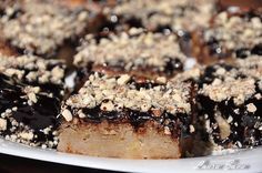 Prajitura cu blat din mere Vegan, Desserts, Recipes, Food, Bebe, Tailgate Desserts, Deserts, Eten, Postres