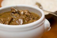 Useiden Rosso-tyylisten perheravintoloiden listoilla notkuu vuodesta toiseen muodossa tai toisessa jonkinlainen härkäruukku. Periaatteessa p... Food N, Beans, Cooking Recipes, Sweets, Baking, Vegetables, Diy, Crafts, Manualidades