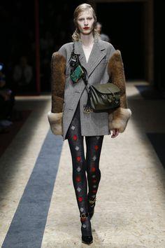 Prada Fall 2016 Ready-to-Wear Fashion Show