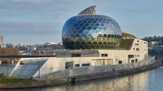 Shigeru Ban's La Seine Musicale incorporates wall of moving solar panels