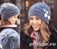 Текстурная женская шапка спицами.
