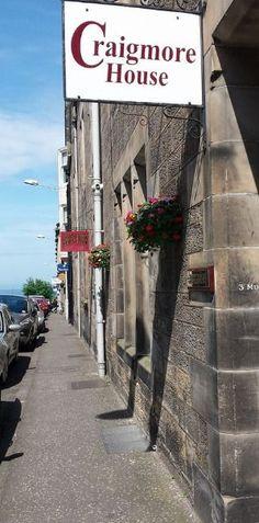 Dove dormire in Scozia: Mini guida ricerca alloggio - 50sfumaturediviaggio Glamping, Sidewalk, Cottage, Mini, House, Home, Go Glamping, Side Walkway, Cottages