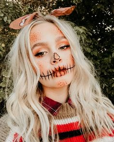 Top rated volume mascara According to Celebrity Makeup - Style My Hairs Looks Halloween, Costume Halloween, Halloween Costumes Scarecrow, Scarecrow Makeup, Amazing Halloween Makeup, Halloween Kostüm, Couple Halloween, Halloween Outfits, Halloween Makeup Tutorials