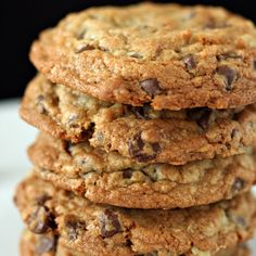 Doubletree Hotel Copycat Chocolate Chip Cookies from The Little Kitchen Recipe Frozen Cookie Dough, Frozen Cookies, Cookie Recipes, Dessert Recipes, Desserts, Cookie Ideas, Doubletree Cookie Recipe, Man Food, Recipe Ratings