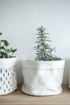 Mini Canvas Bucket – Mono Online Shop