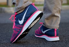 #Nike #Flyknit Trainer+ Navy/Pink
