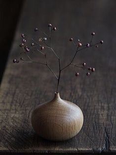 Stunning Useful Tips: Paper Vases Floral Arrangements metal vases tin cans.Small Vases chinese vases still life.Tall Vases Home Decor. Ikebana, Wabi Sabi, Bud Vases, Flower Vases, Colored Glass Vases, Flower Arrangements Simple, Paper Vase, Wood Vase, Wood Turning Projects