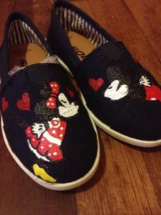 Minnie and Mickey Mouse toms