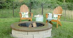 DIY Easy Fire Pit: Finish in a weekend! This fire pit will take your backyard to a whole new level. Outdoor Dog Area, Outdoor Fire, Outdoor Rooms, Outdoor Gardens, Outdoor Living, Outdoor Furniture, Furniture Ideas, Backyard Projects, Outdoor Projects